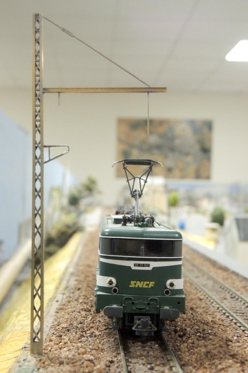 L'électrification à Mer est en route avec les supports 1500V Région4