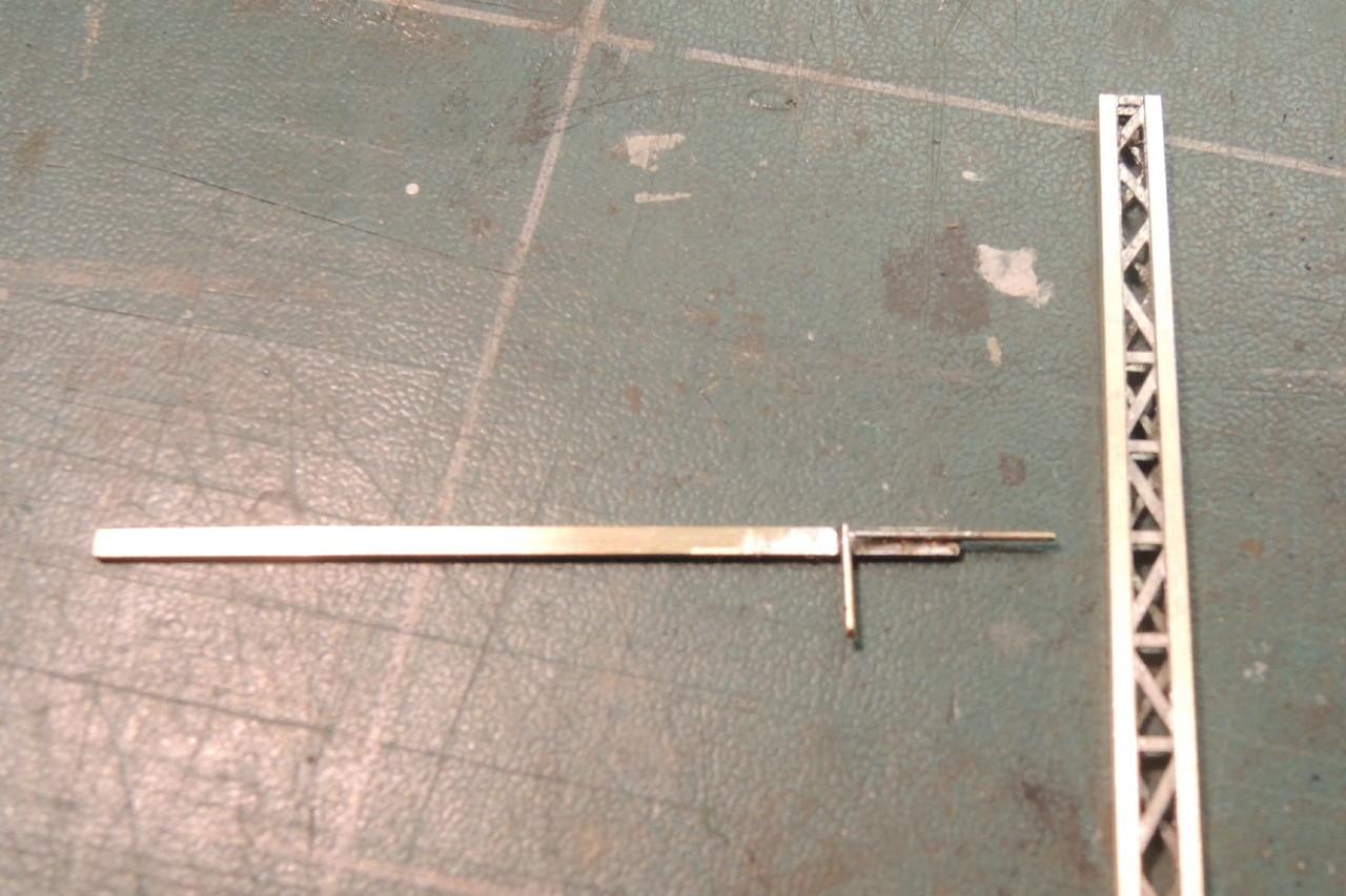 La console et les 2 premiers ronds de laiton de 0,4 mm.