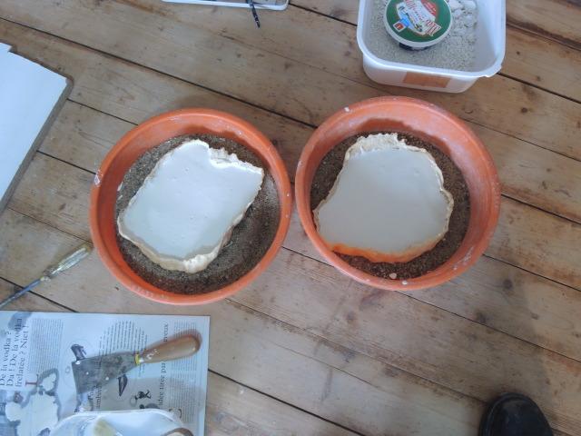 moules et platre au sèchage