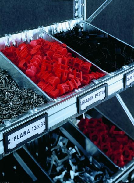 Werkstatt-Regal mit Containern