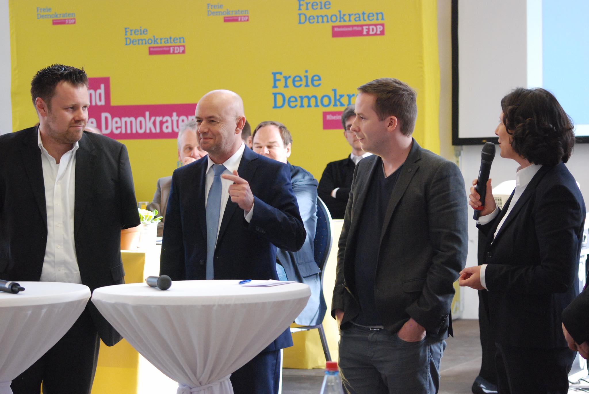 Gesprächsrunde mit den Kandidaten David Dietz, Dr. Thomas Schell und Florian Glock (v.l.)