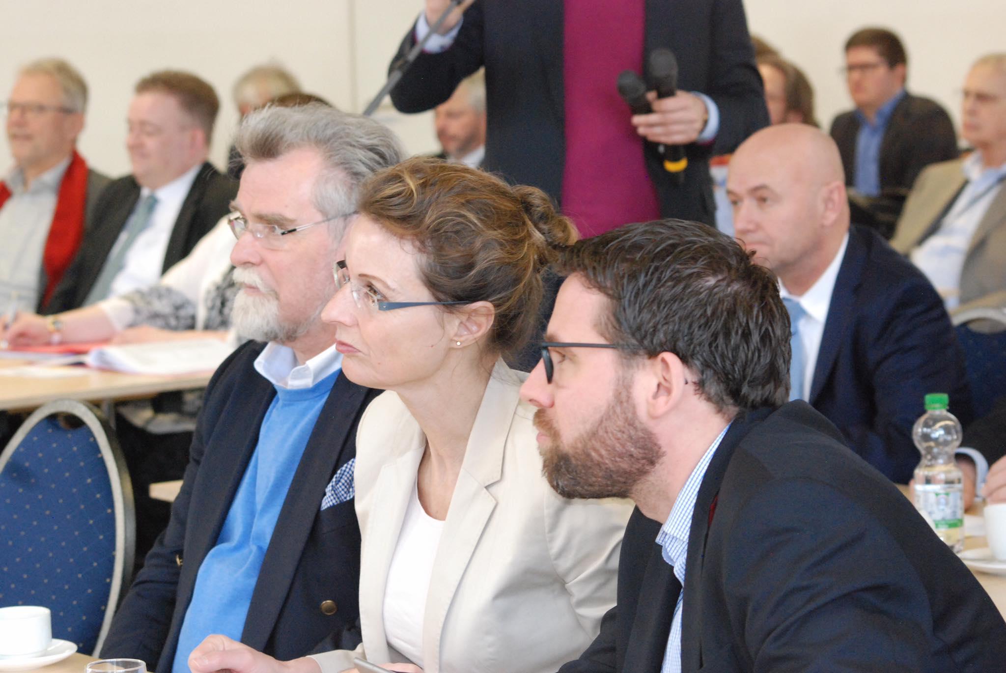 Herbert Mertin, Minister der Justiz des Landes Rheinland-Pfalz (l.)