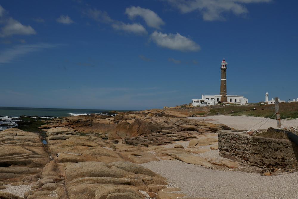 Le phare de Cabo Polonio 27 m de haut portée 20 miles