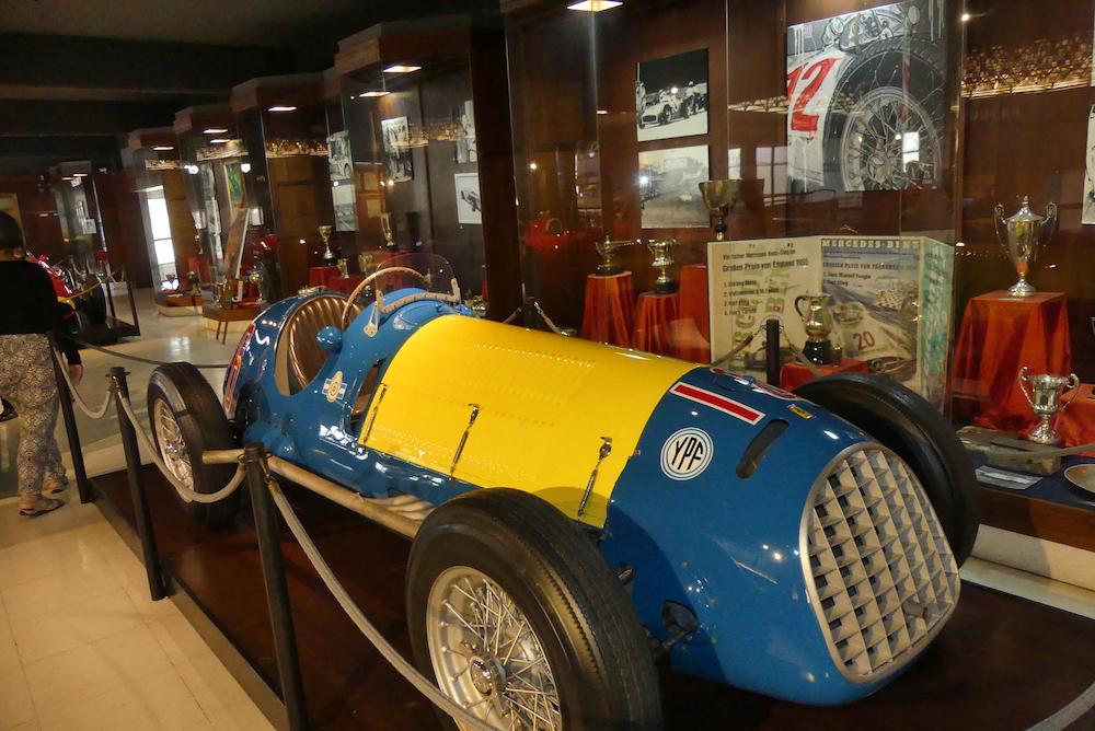 Ferrari rare au vue des couleurs