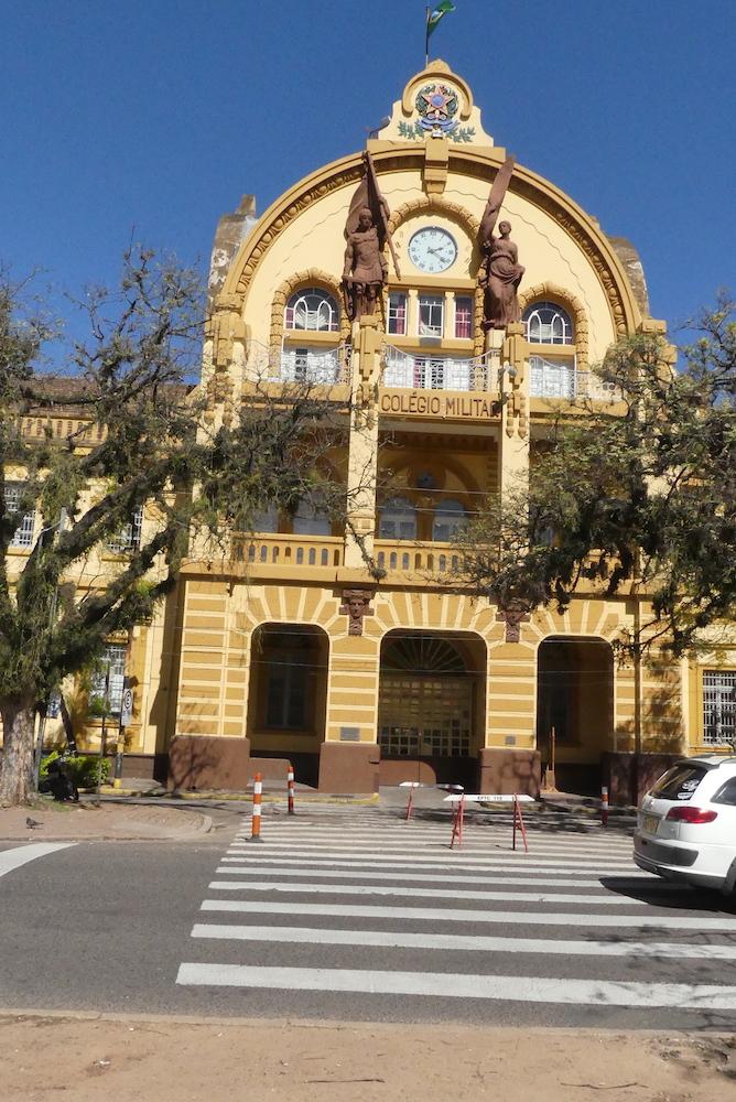 Porto Alegre: Ecole Militaire