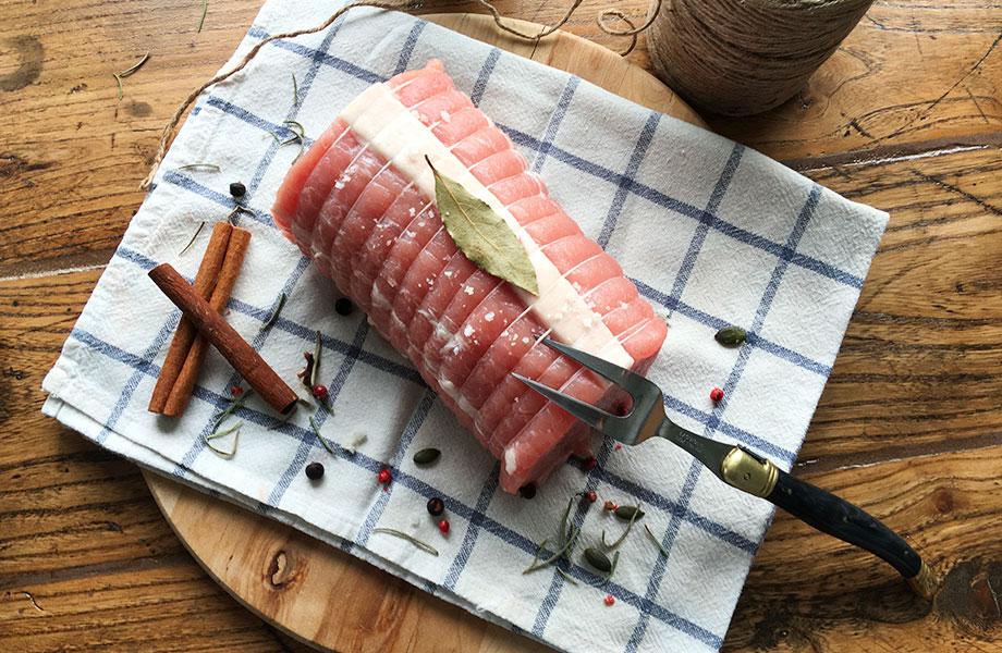 Rôti de porc frais prêt à cuire