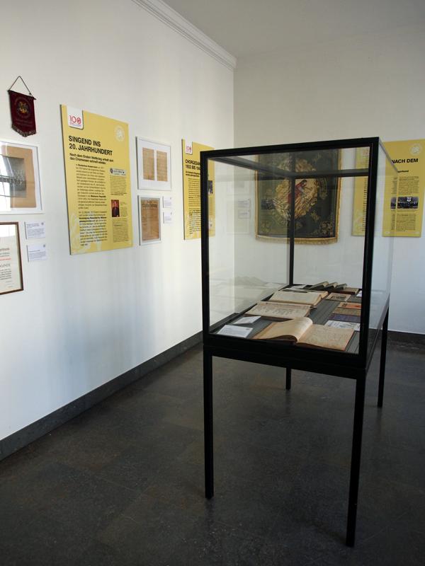 Bild: Ausstellung Raum 2 Teil 1