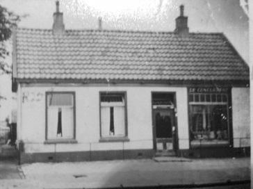 Het winkeltje in galanterieën van Jan Willem Bembom en Hendrika Meijer.