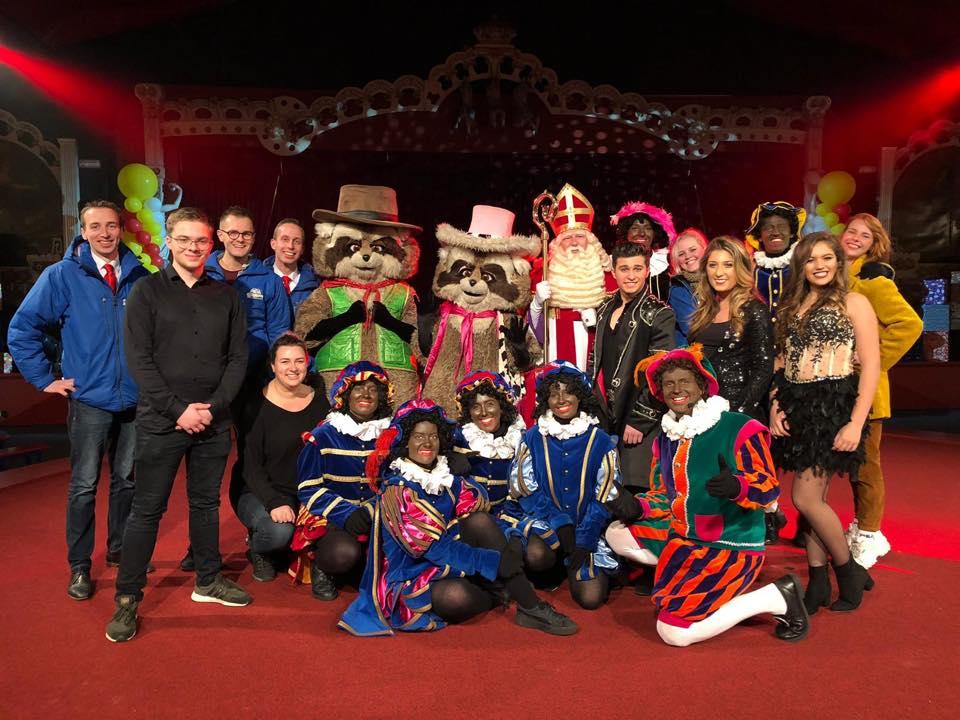 2018 12 02 De crew van het Slagharen Sinterklaasfeest 2018, foto: Aniba.