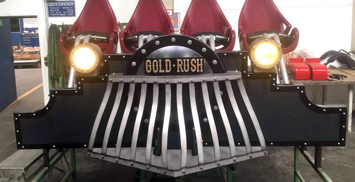 2017 Achtbaantrein 'Gold Rush', vooraanzicht...