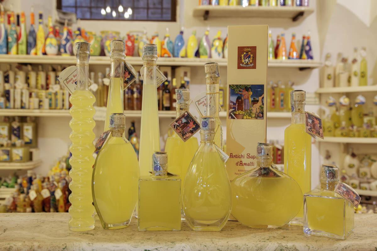 Matrimonio Tema Amalfi : Il limoncello di amalfi liquore