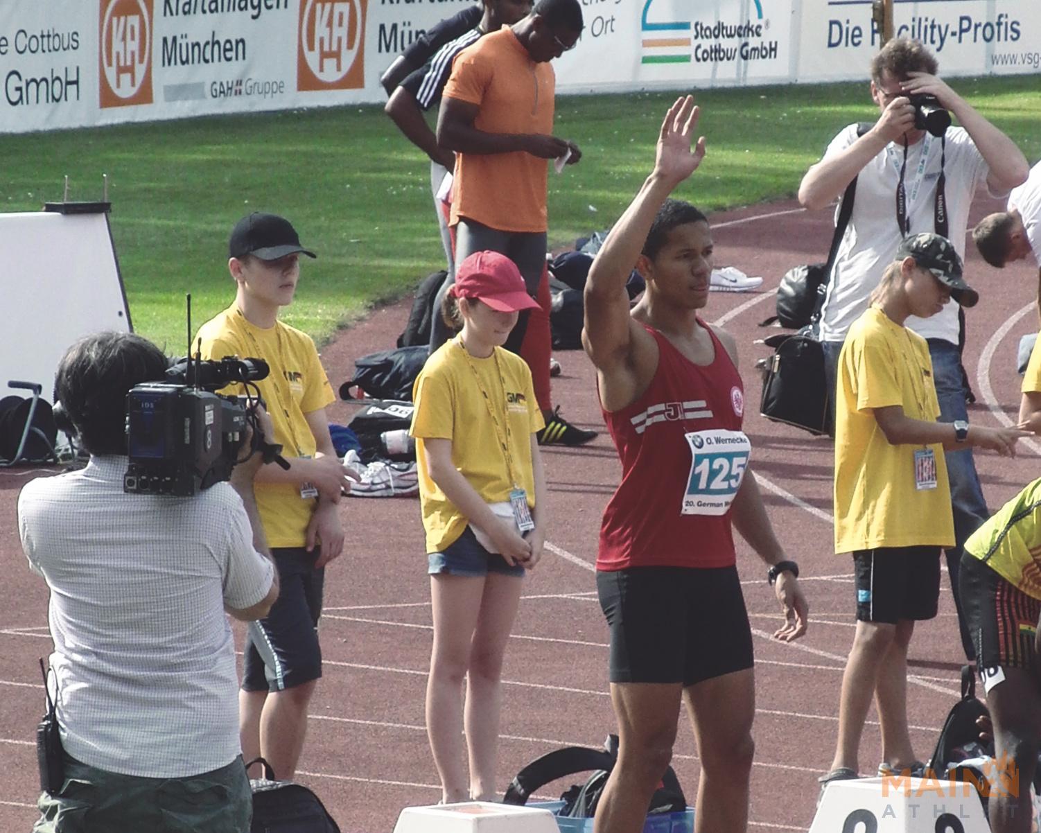 Benjamin Brömme bei einem Leichtathletik Meeting in Cottbus 2009.