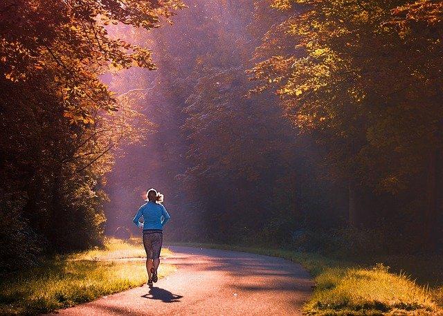 Training im Herbst: Tipps und Tricks für die dunklen Jahreszeiten