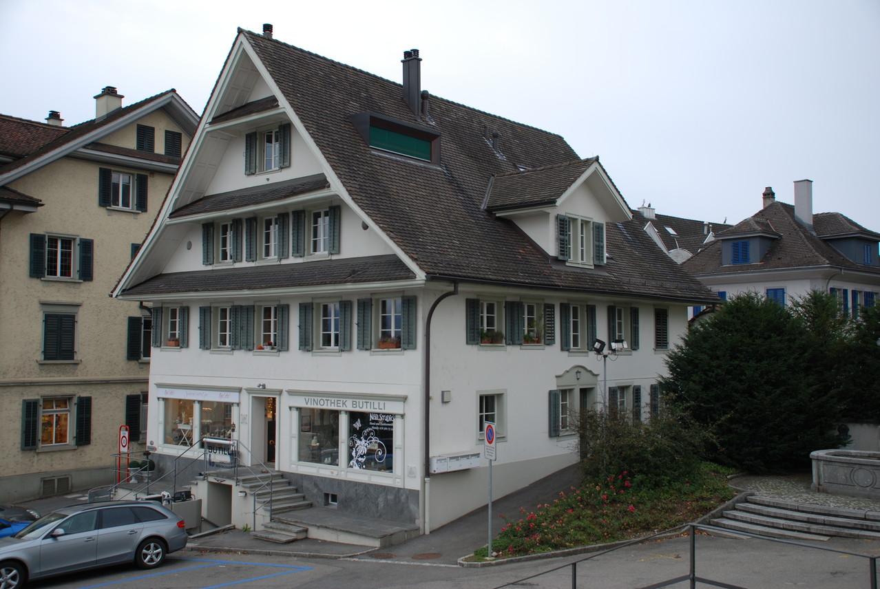 Kirchplatz 1