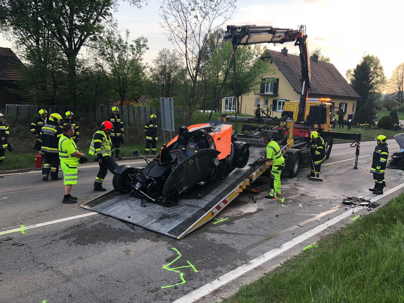 Erfreut Verkehrsunfall App Galerie - Schaltplan Serie Circuit ...