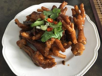 Hühnerfüße in Soja-Sauce   © Gao Ya