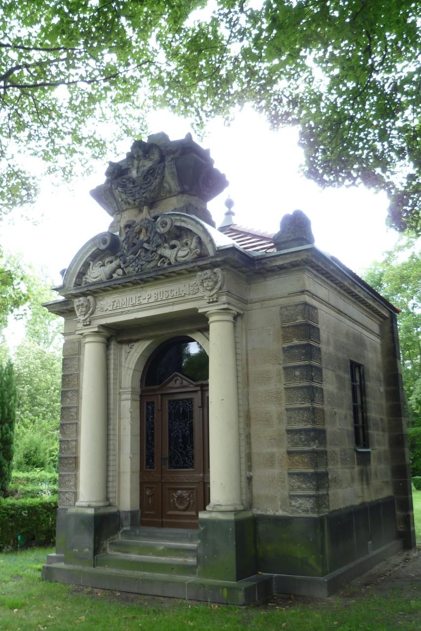 Dorotheenstädtischer Friedhof II - Mausoleum Zirkusfamilie Busch  © Diana Schaal