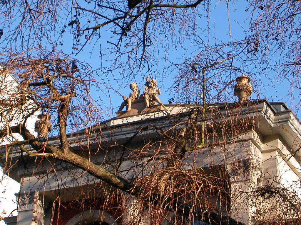 Villa Schott, Wriezener Str. 10-11