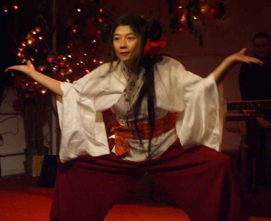 Traditioneller Tanz zu Taiko-Trommeln © Kerstin Kaie