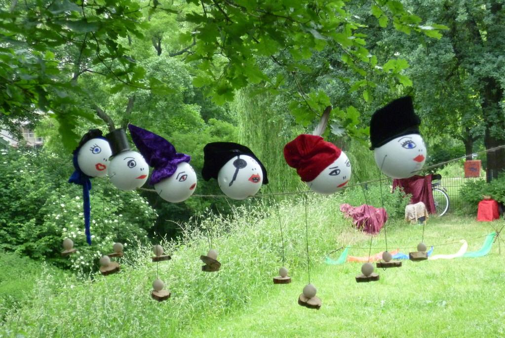 Die Balancier-Puppen vor dem Einsatz