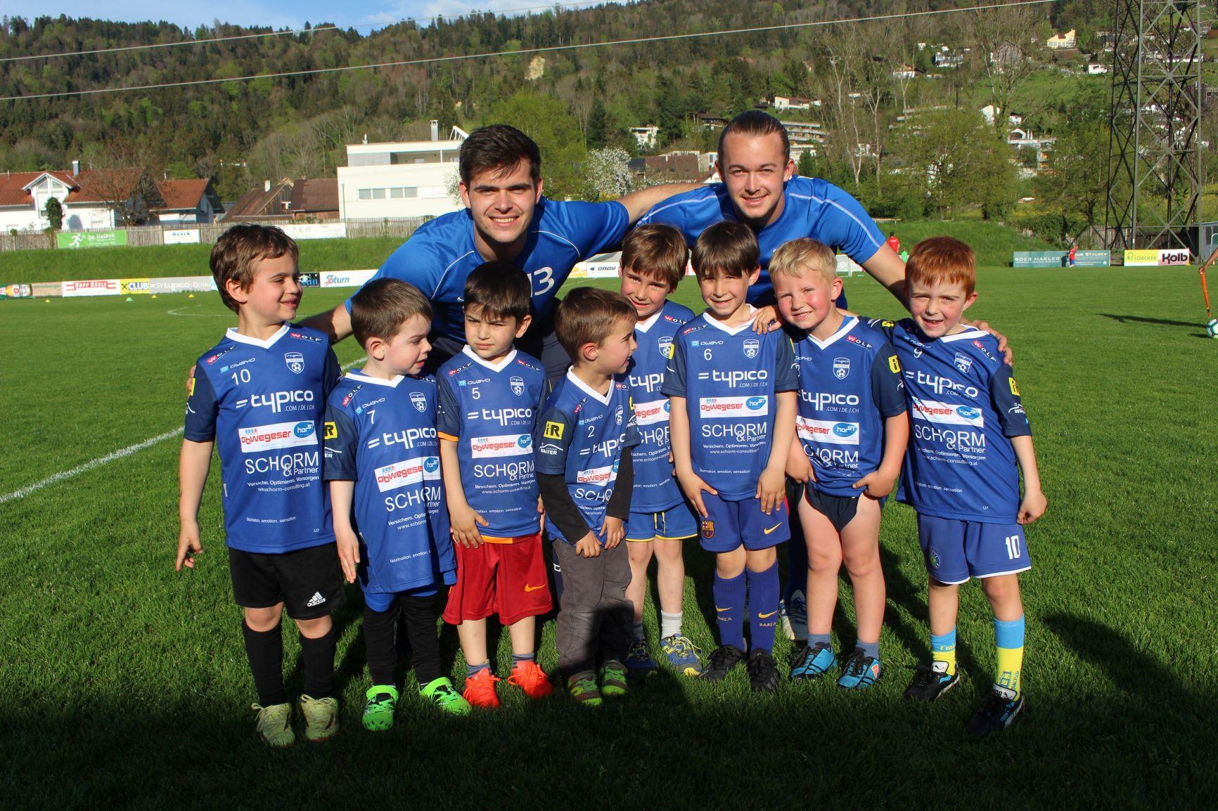 Bambinis mit den Trainern Daniel Reichart & Johannes Pichler