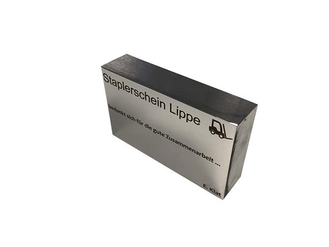 Laserbeschriftung Lasergravur auf Edelstahl poliert