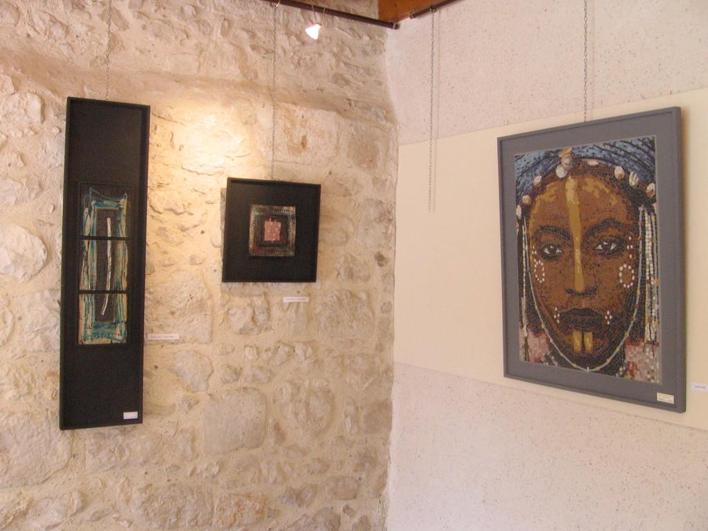 le mur de Mathilde avec Rakus et mosaïques