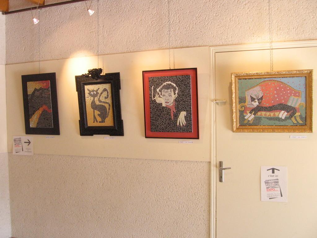 le mur d'Expo d'un jour, quelques pièces des ateliers Azulejos