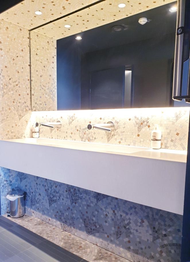 #ecaille art deco mosaique#ecaille art deco mosaic#ecaille mosaic#ecaille mosaique#toilette mosaique#toilette mosaic#fresque mosaique#fresque mosaic#salle de bain mosaique#mosaique#mosaic#mathilde l huillier