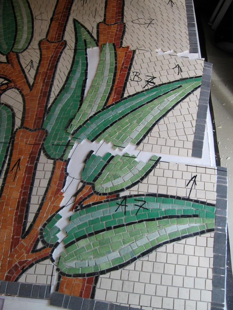 mosaïque: découpage en plaque pour ranger la mosaïque en carton