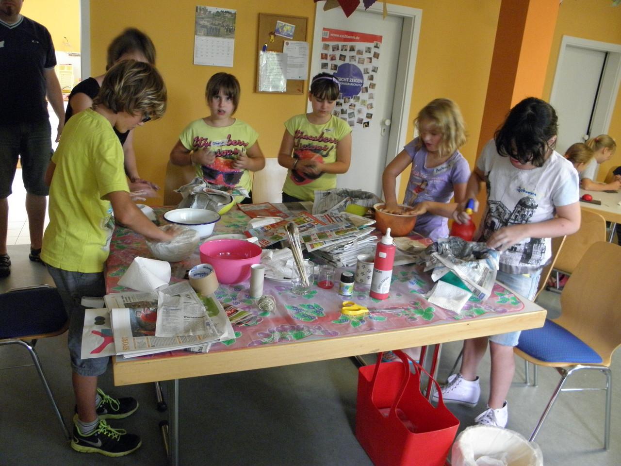 Die kreative Pilzwerkstatt: wir bauen Gipspilze, Filzpilze, Salzteigpilze ... und was uns noch so alles einfällt.