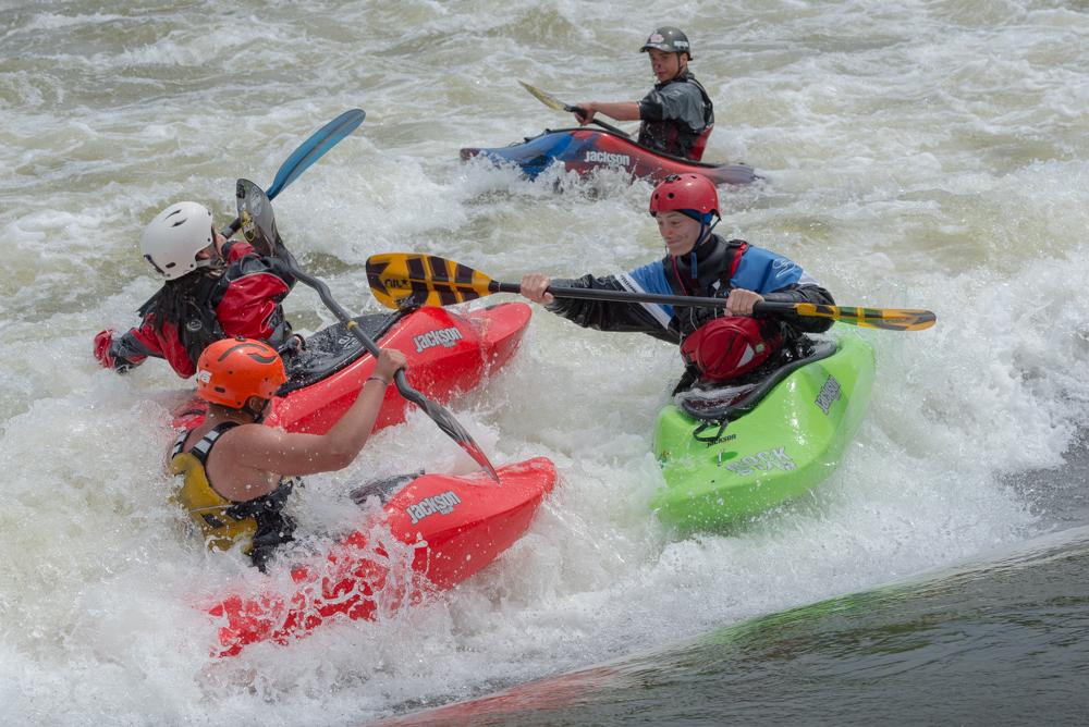 King-of-the-wave - wer schafft es am längsten in der Welle zu bleiben? Foto: Birgit Stiebing