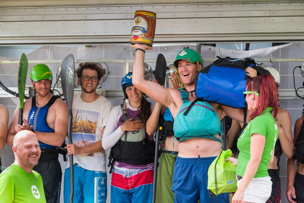Sieger des Gumotex Schlauchbootrennens: Tom Dunphy aus Irland, Foto: Birgit Stiebing