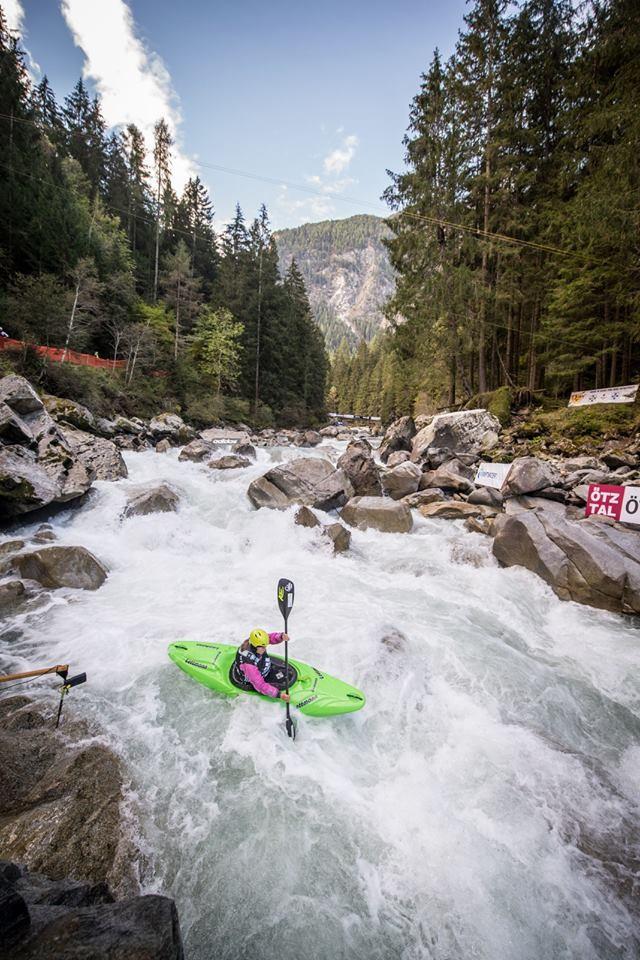 Puñalada Asistente Deformar  Adidas Sickline - The Extreme Kayak World Championship - Anne Huebner |  coaching