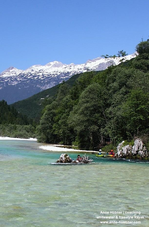 Schnee auf den Bergen und sommerliche Hitze sorgen für genügend Wasser im Fluss!