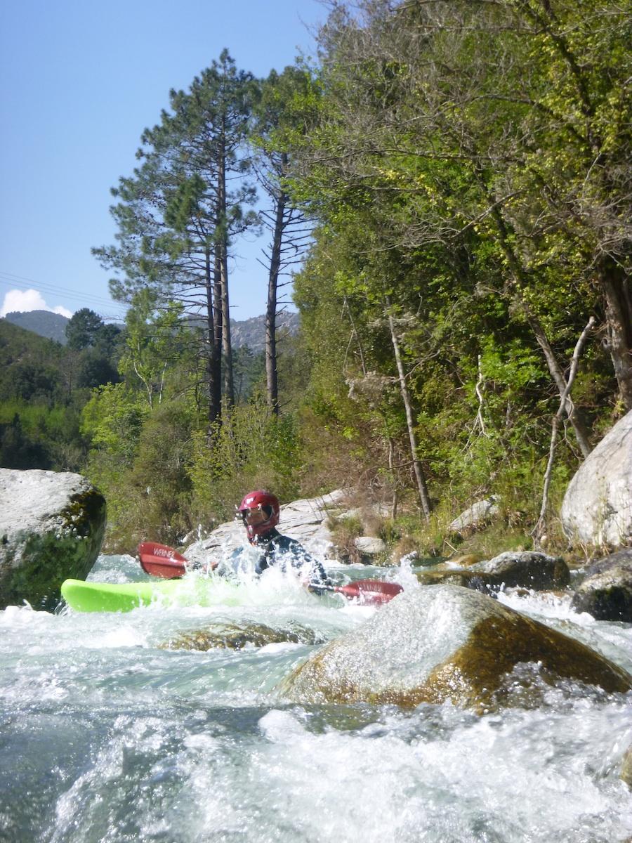 Der untere Vecchio bietet verblocktes Wildwasser in wunderschöner Kulisse.