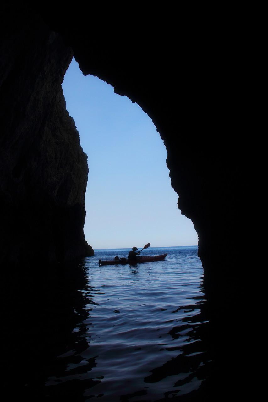 Eine der zahlreichen Grotten und Höhlen.