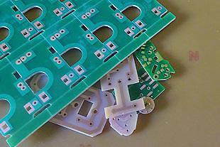 国内でも稀な、紙基材フェノール樹脂基板の製造が得意な会社です