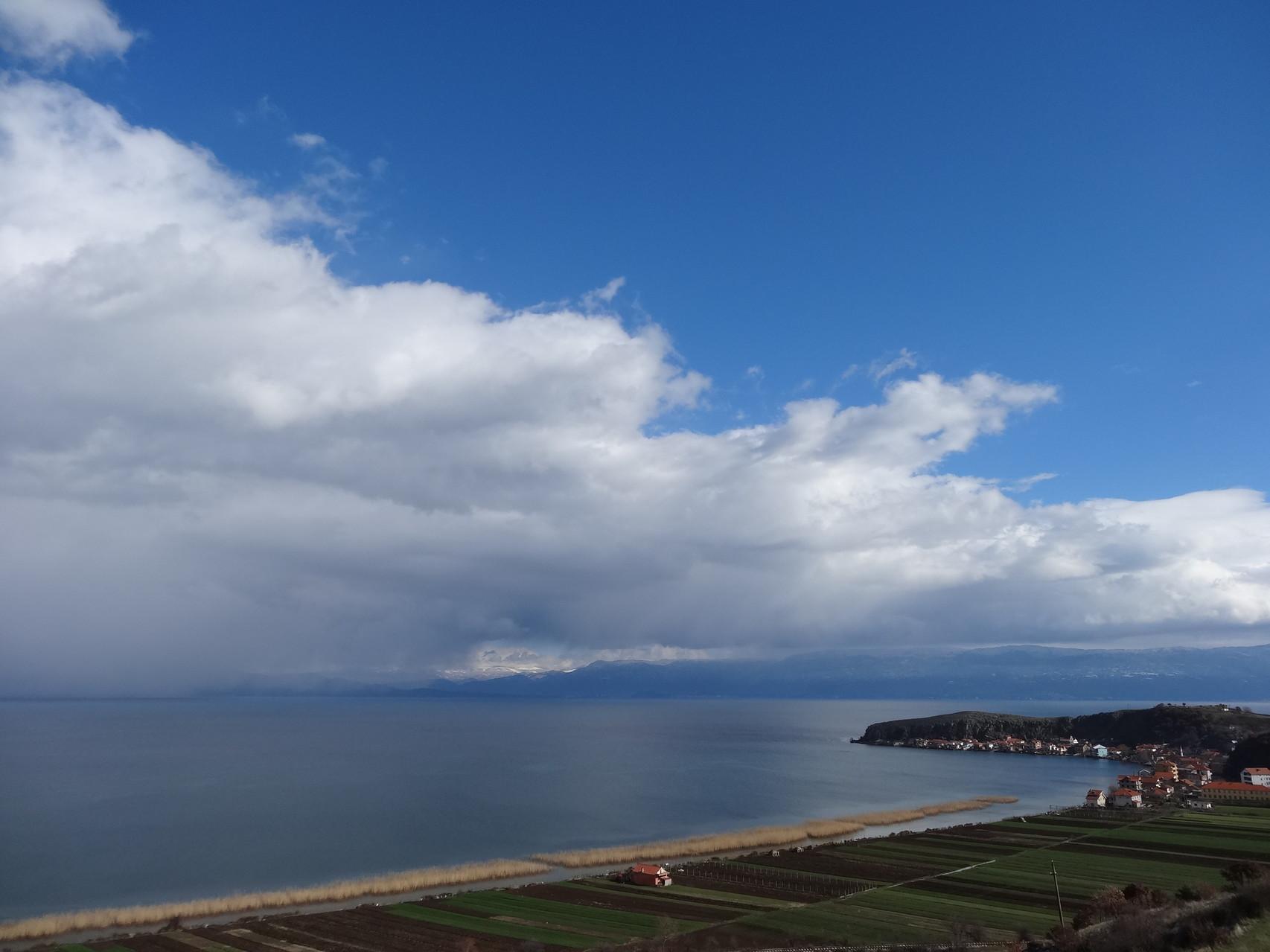 Les grands lacs entre l'Albanie et la Macedoine.