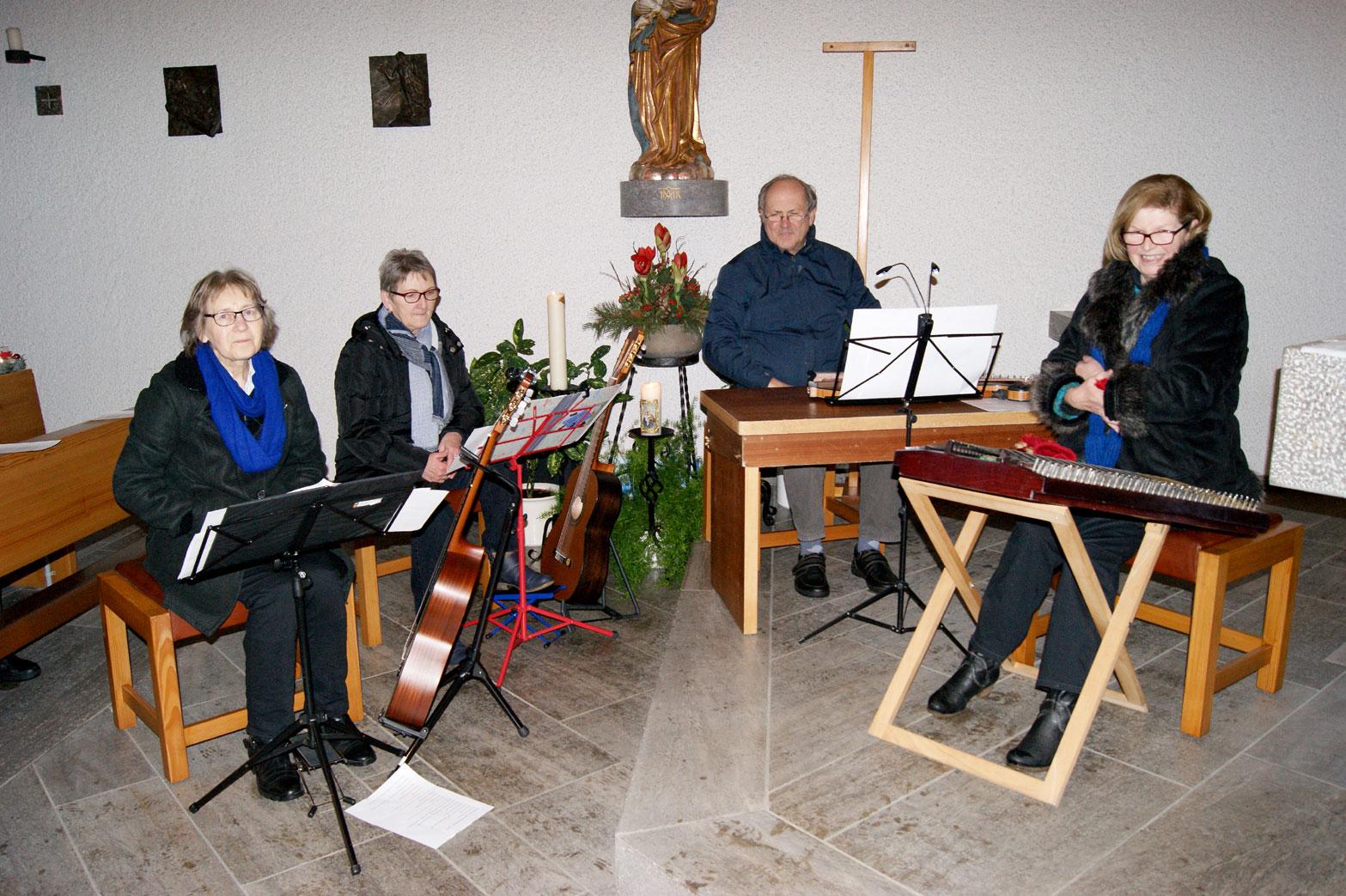 Bayrisch Blau begleitete feierlich das Programm