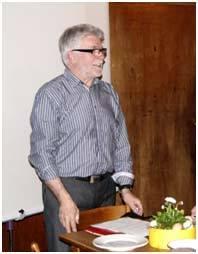 1. Vorstand Erhard Seitz begrüßt alle Mitglieder