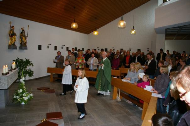 Eingestimmt wurde die Festivität mit einem Gottesdienst in der Staufer Kirche, geleitet durch Herrn Pfarrer Helmut Hummel