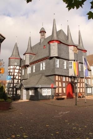 Frankenberger Rathaus mit neuen Türmen