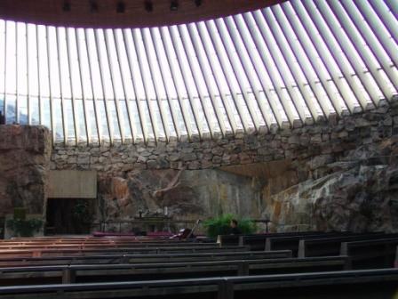 """""""Untergrund""""-Kirche"""