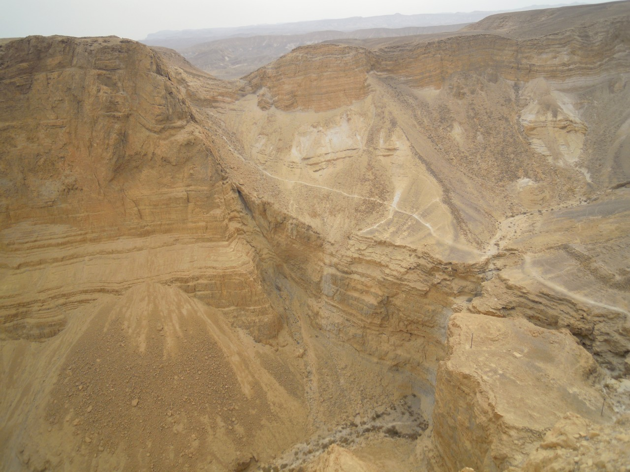 désert près de la mer morte et Masada, lieu de résistance pour les juifs