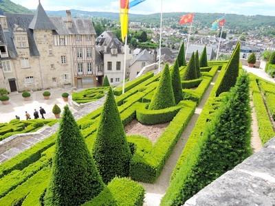 Terrasson, jardin à la française