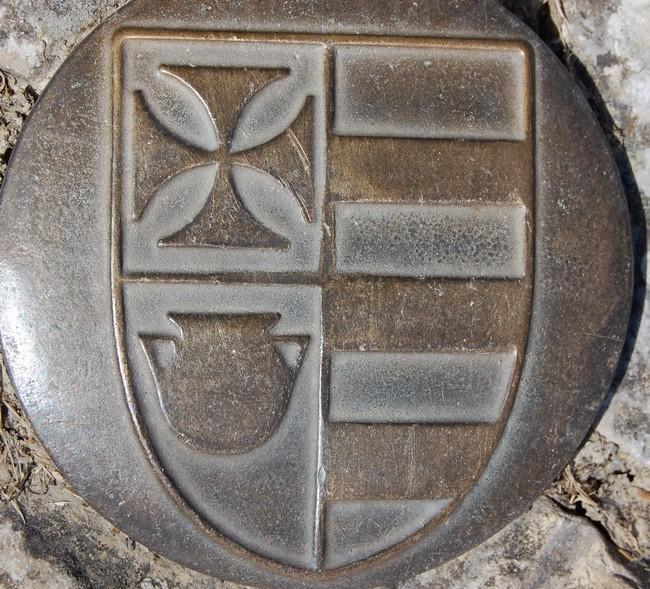 Catharisme:Blason de B. de Farges, archevêque de Narbonne