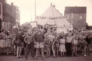 Eglise Dunkerque 1954 tente d'évangélisation