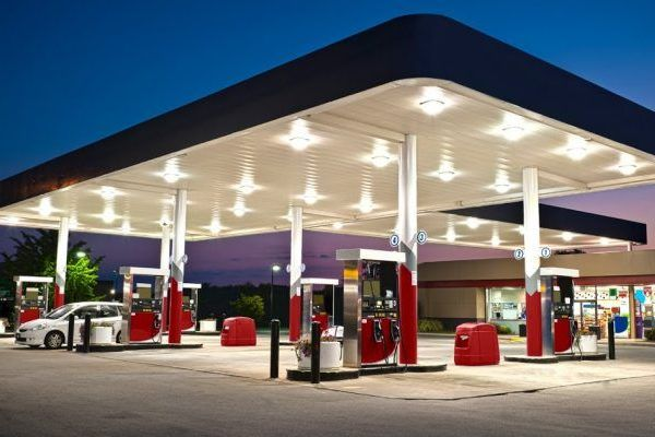 Mamparas sanitarias para gasolineras y estaciones de servico