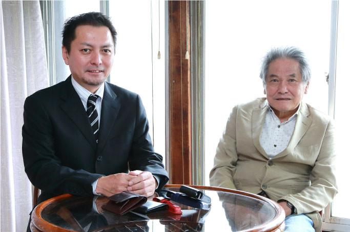 現在の先代社長 井戸辰夫と現社長の井戸啓晶